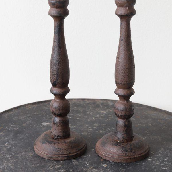 Braune Skandi Kerzenständer aus Metall. Onlineshop Soulbirdee