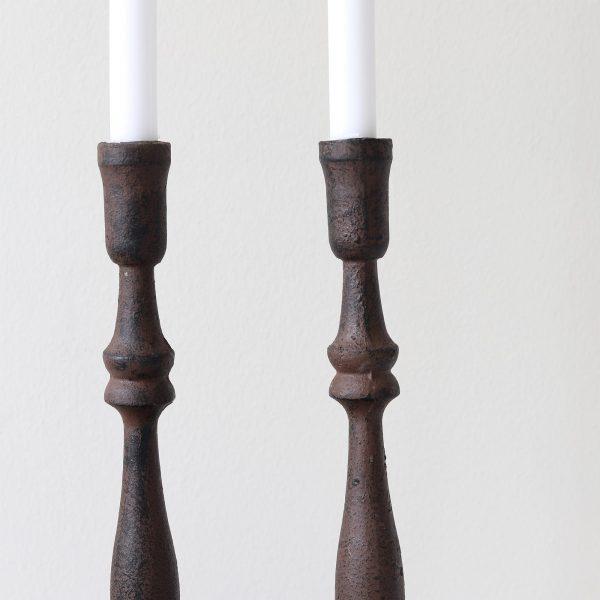 Schwarz braune Skandi Kerzenständer aus Metall. Onlineshop Soulbirdee