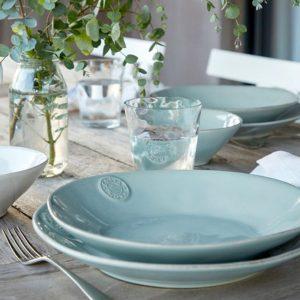 Dinnerplate aus Steingut für Salat, das Müsli, Suppe oder Snacks. Robustes Material, pflegeleicht und für Spülmaschine und Mikrowelle und Gefrierer geeignet.