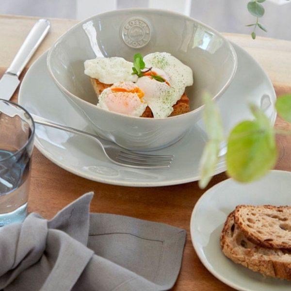 Schüssel aus Steingut für Salat, das Müsli, Suppe oder Snacks. Robustes Material, pflegeleicht und für Spülmaschine und Mikrowelle und Gefrierer geeignet.