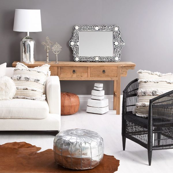 Schwarzer Intarsien / Inlay Spiegel mit weißem Muster | 90 x 60 cm | im Boho Stil | Großer Wandspiegel mit Ethno Muster für das Wohnzimmer oder den Flur | Trusted Shop