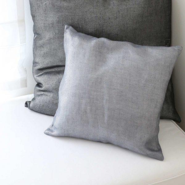 Kissen von Zenza aus Leinen in Grau