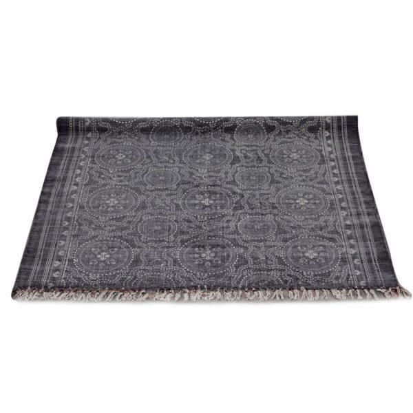 Mauve-grauer Teppich mit weißem Mandala IKAT BOHO Muster und Fransen. Der Wohnzimmerteppich ist Handprint, Handgemacht, Print.180 x 120 , 270 x 190 cm