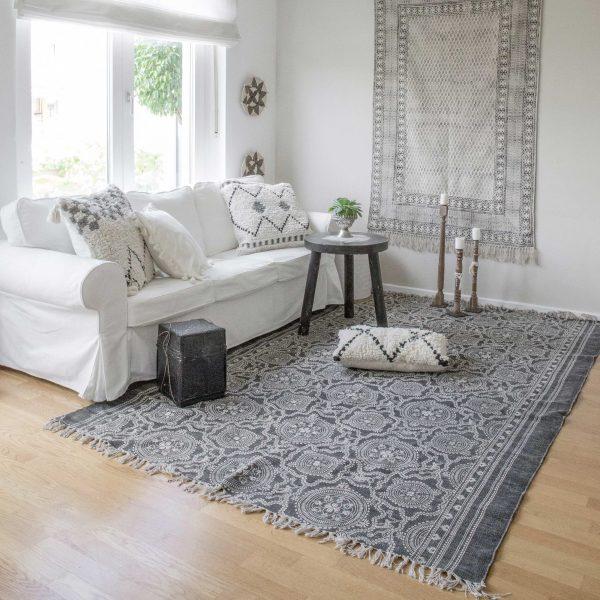 Teppich im Boho Stil aus waschbarer Baumwolle | 270x190 & 180x120 cm. Entdecke unsere Block Print Teppiche und Stempel Druck Teppiche | online kaufen | schneller Versand