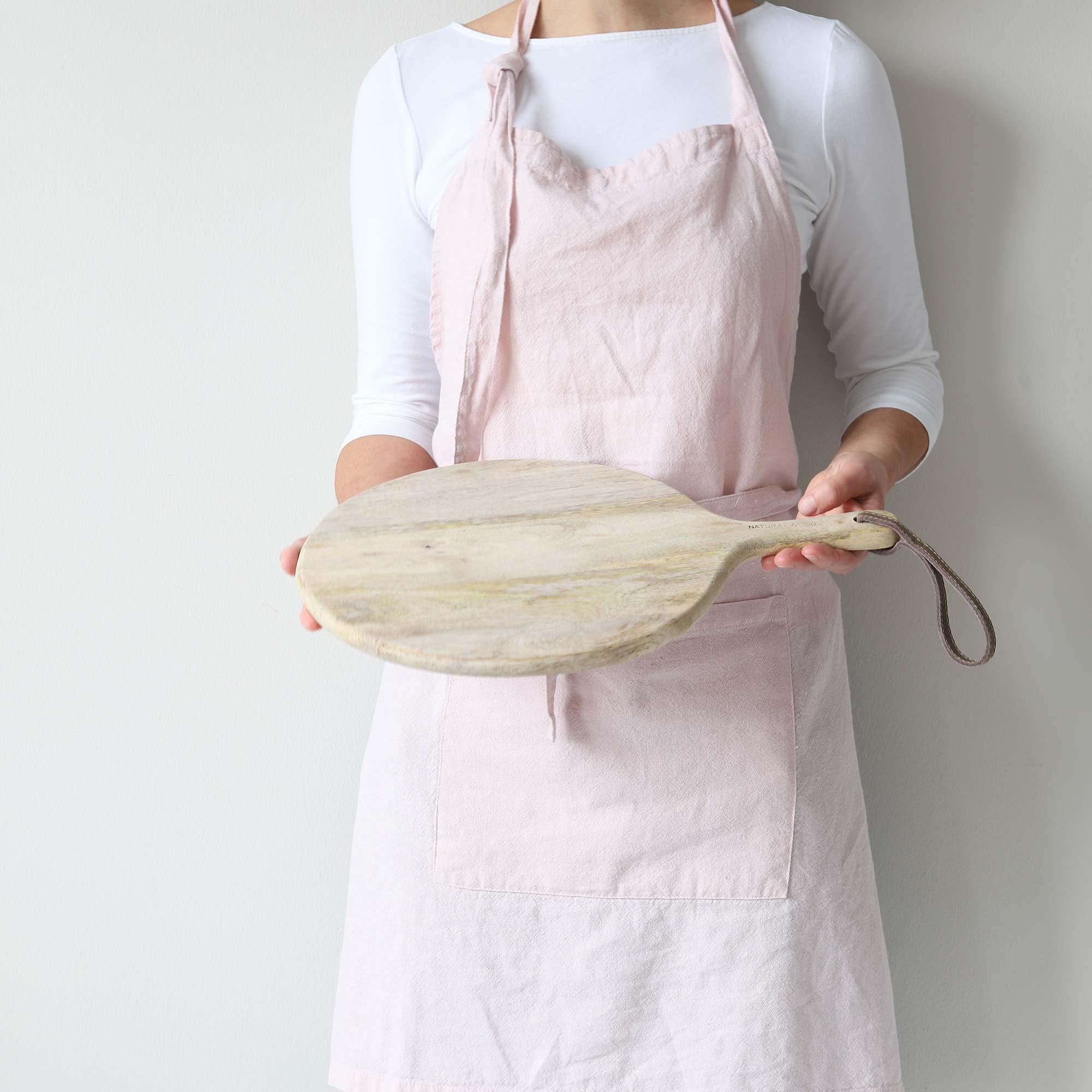 Rundes Pizzabrett aus Holz mit Griff, 30 cm Durchmesser ♥ Rundes Holzbrett, für das Anrichten von Lebensmitteln. Pizzabrett, Brotzeitbrett ♥ online kaufen