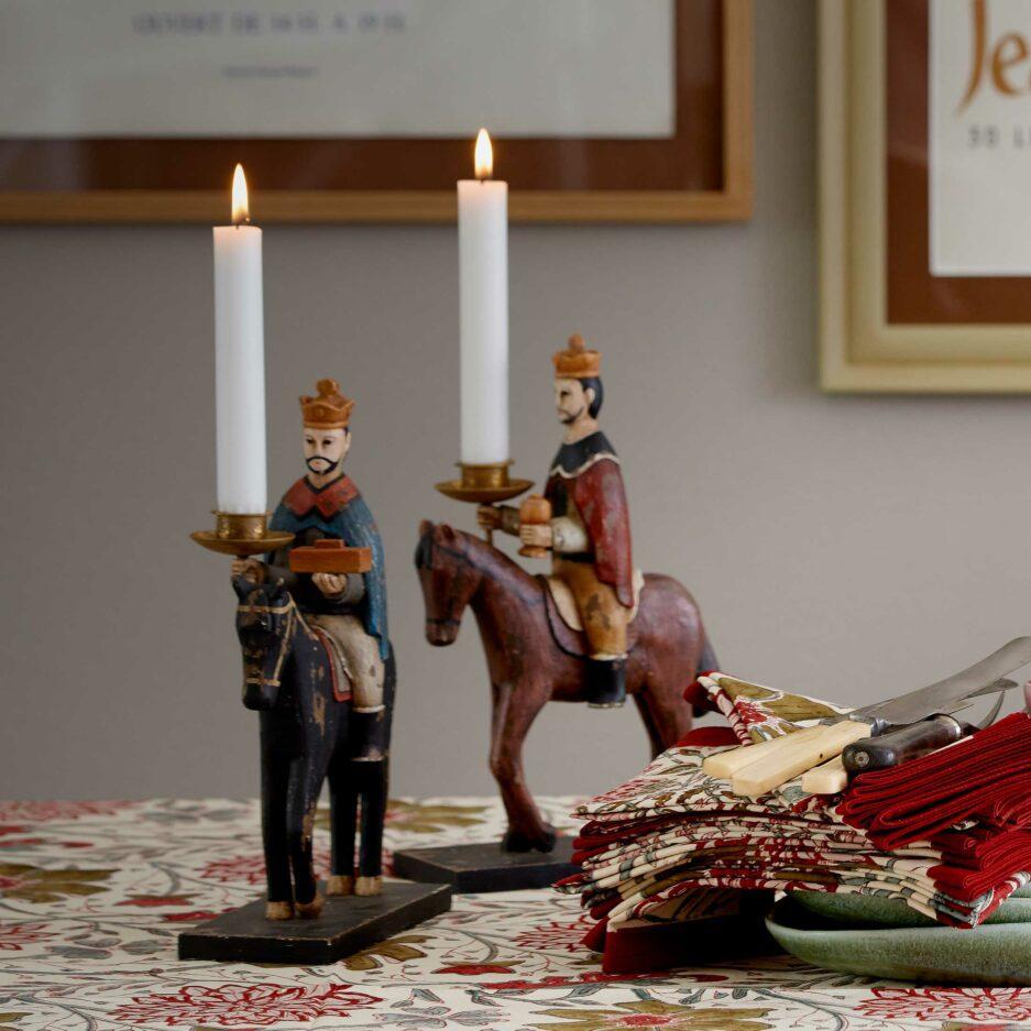 Kerzenhalter Heilige 3 Könige aus Holz. Skandinavische Weihnachtsdekoration aus Dänemark. Holzfiguren bei Soulbirdee Onlineshop kaufen, internationaler Versand