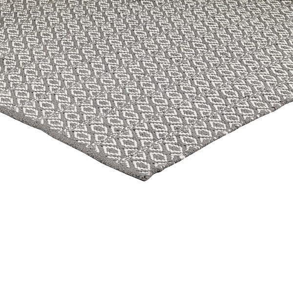 Grauer Teppich ☆ Butterweich anzufassen ☆ er kann gewaschen werden und ist strapazierfähig. Der ideale Teppich für die Familie und das Zuhause von Katze und Hund.