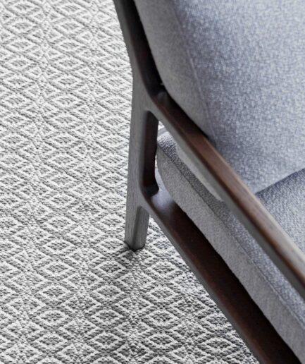 Grauer Teppich ☆ Weich und sehr angenehm anzufassen ☆ er kann gewaschen werden und ist strapazierfähig. Der ideale Teppich für die Familie und das Leben mit Tieren