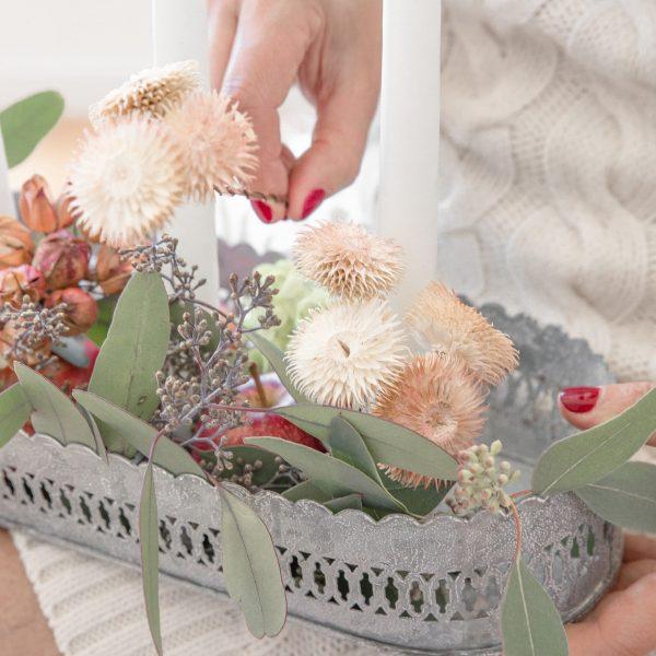 Strohblumen in Gelb zum basteln und dekorieren von Adventskränzen und Türkränzen. Getrocknete Blumen von der Marke Bungalow zum dekorieren im Herbst
