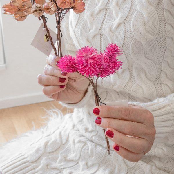 Trockenblumen in Pink zum flechten vom Adventskranz und einem Türkranz von der Marke Bungalow. Trockene Blumen in Rosa für die Bohemian Weihnachtsdekoration