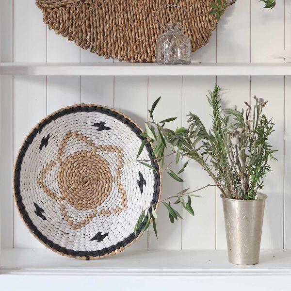 Lassi Becher in Silber als Vase zum Dekorieren im Boho und Ethno Stil. Großer Becher aus Metall für die Wohndeko im marokkanischen und Bohemian Stil