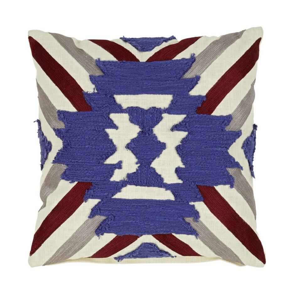 Hippie Style Kissen in der Farbe Rot / Blau in 45 x 45 cm aus Baumwolle. Besonderes Kissen mit Streifen von Liv Interior im Boho Wohnstil