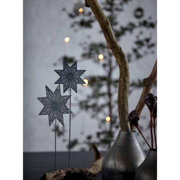 Stern für den Adventskranz aus Metall mit einem Dorn von der Marke Cest Bon aus Schweden. Dekoration für den Adventskranz im skandinavischen Stil