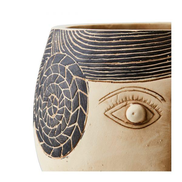 Blumentopf aus Beton mit Gesicht einer im skandinavischen Stil von der Marke Affari aus Schweden. Bohemian Dekoration für Topfpflanzen in der Form eines Kopfes