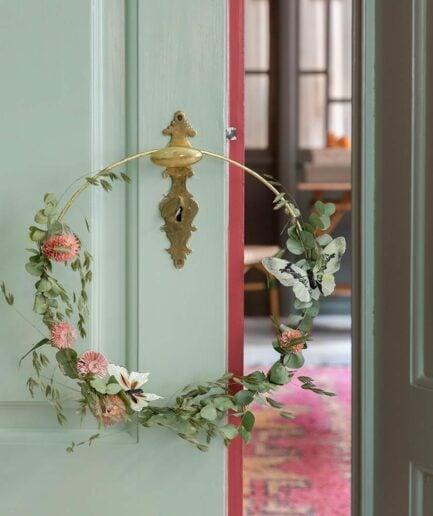 Kranz als Türkranz für DIY Blumen binden, Blattgold Ring in Gold