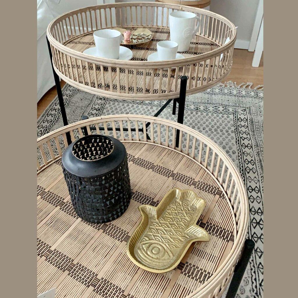 Deko Tablett mit Fatimas Hand im marokkanischen Wohnstil. Gold | Liv Interior Entdecke die goldenen Tabletts mit der Fatima und weitere Deko