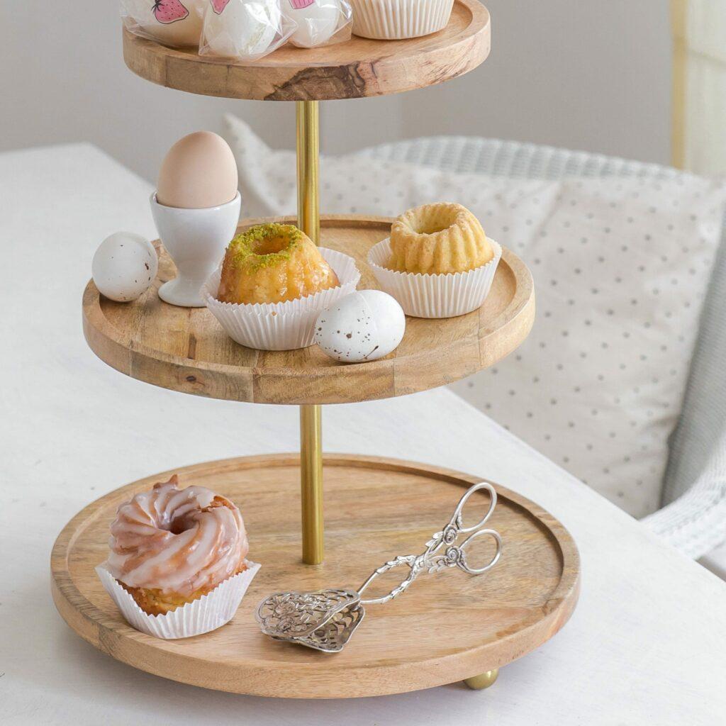 Holz Etagere mit 3 Etagen für Dekoration & Desserts   Madam Stoltz