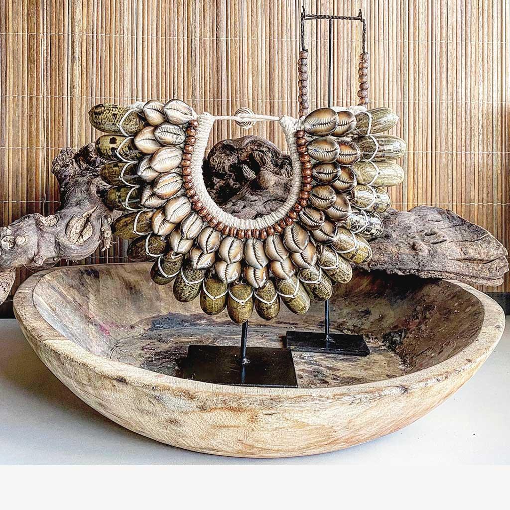 """Vintage Ethno Holzschale """"Gewürzstrasse"""" aus Holz. Eine handgemachte Schale aus Holz zum dekorieren oder als rundes Tablett aus Holz. Holzschale online kaufen bei Soulbirdee"""