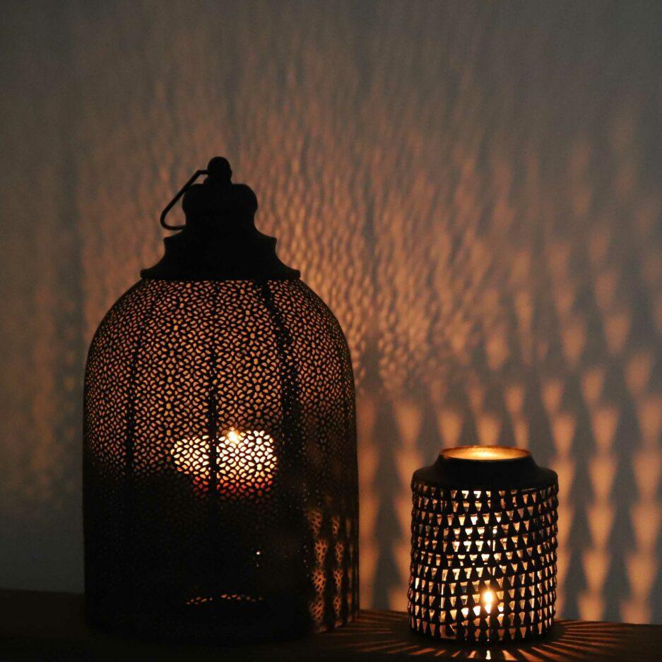 Marokkanische Windlichter in Schwarz aus Metall mit wunderschönem Muster. Kerzenschein & Windlicht im orientalischen Stil