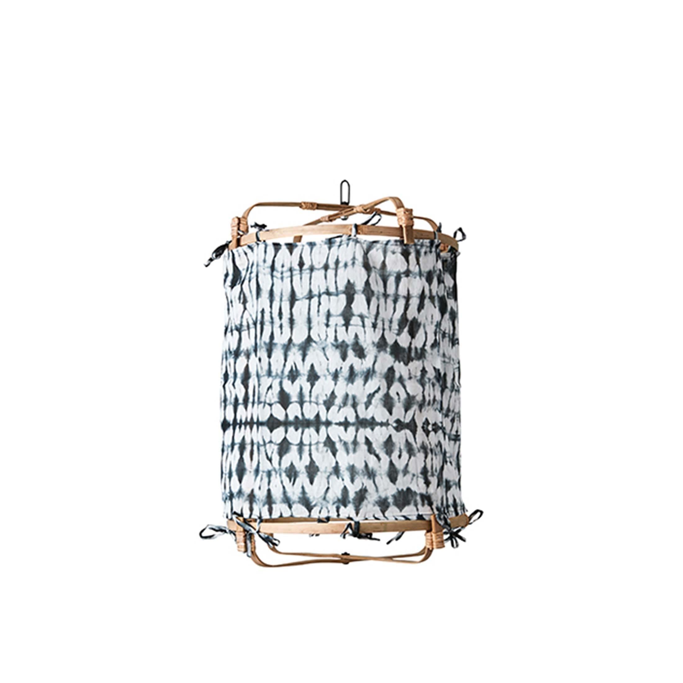 Lampenschirm aus Leinen Small und Naturmaterial Bambus für die Beleuchtung im Bohemian Style. Die Lampe passt über den Esstisch und in das Schlafzimmer