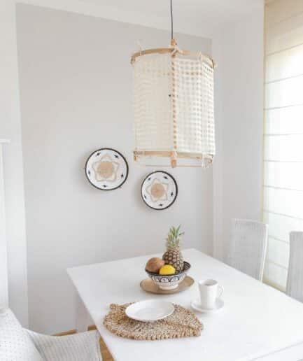 Lampenschirm aus Bambus mit Stoffbezug im Bohemian Wohnstil. Hängelampe aus Stoff und Holz bei Soulbirdee kaufen