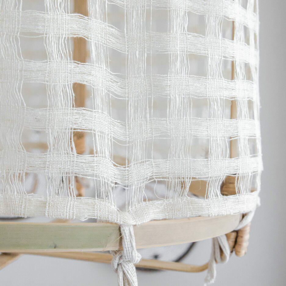 Lampenschirm aus Bambus für Ihre Wohndeko im Strandhaus Stil. Zu den beliebten Lampen gibt es verschiedene Stoffbezüge. Schneller Versand