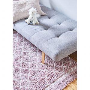 Beni Ourain Teppich in Mauve und Beige aus weicher Bio Baumwolle von Liv Interior. Gesunder Wohnzimmer-Teppich aus fairer Produktion | schneller Versand