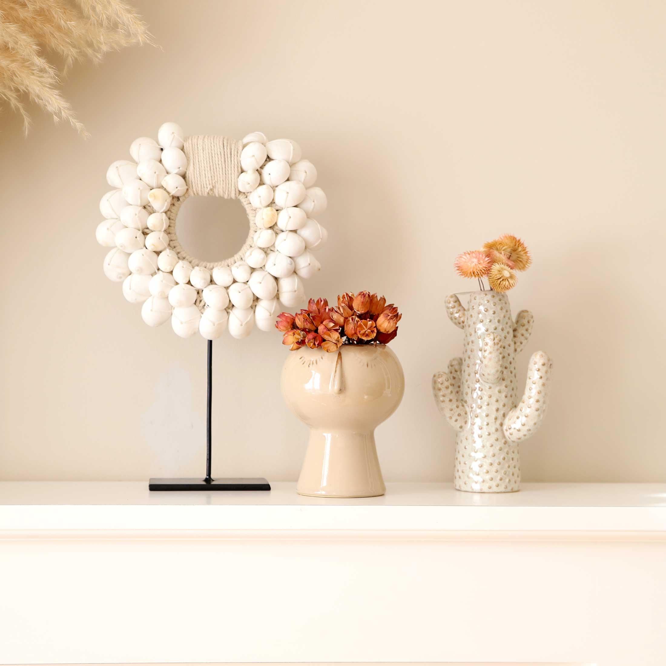 Weisse Kaktus Weiss und Blumentopf Face im Boho Style. Die Kaktus Vase von Madam Stoltz ist eine besondere Tischdeko im Bohemian Stil | Soulbirdee Onlineshop