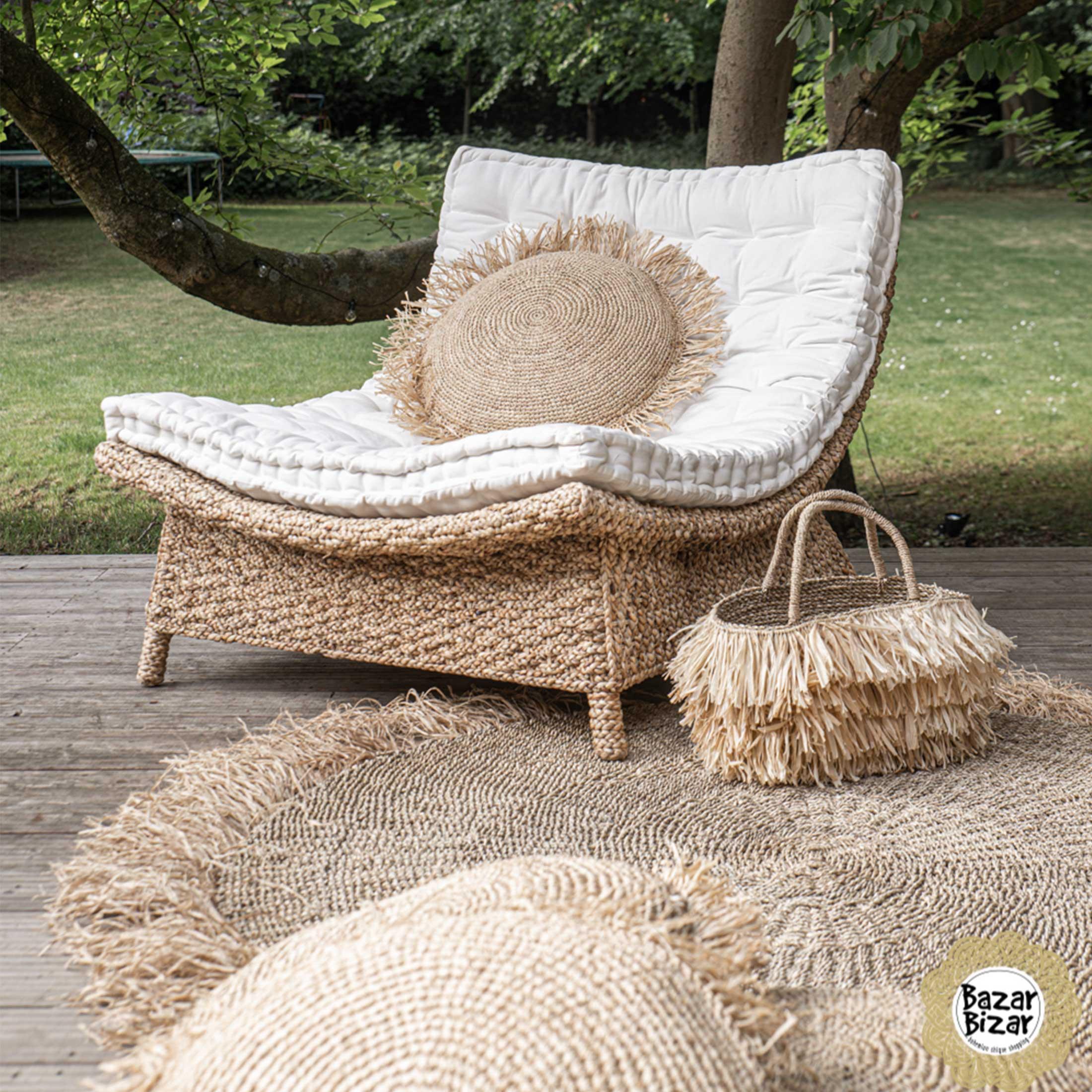 Handtasche aus Bast für den Sommerlook im Ibiza Style. Entdecke die wunderschönen Taschen von der Trendmarke Bazar Bizar