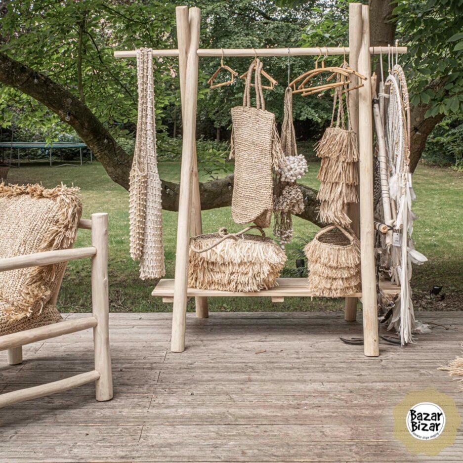Umhängetasche aus Bast für den Sommerlook im Ibiza Style. Entdecke die wunderschönen Taschen von der Trendmarke Bazar Bizar bei Soulbirdee Onlineshop