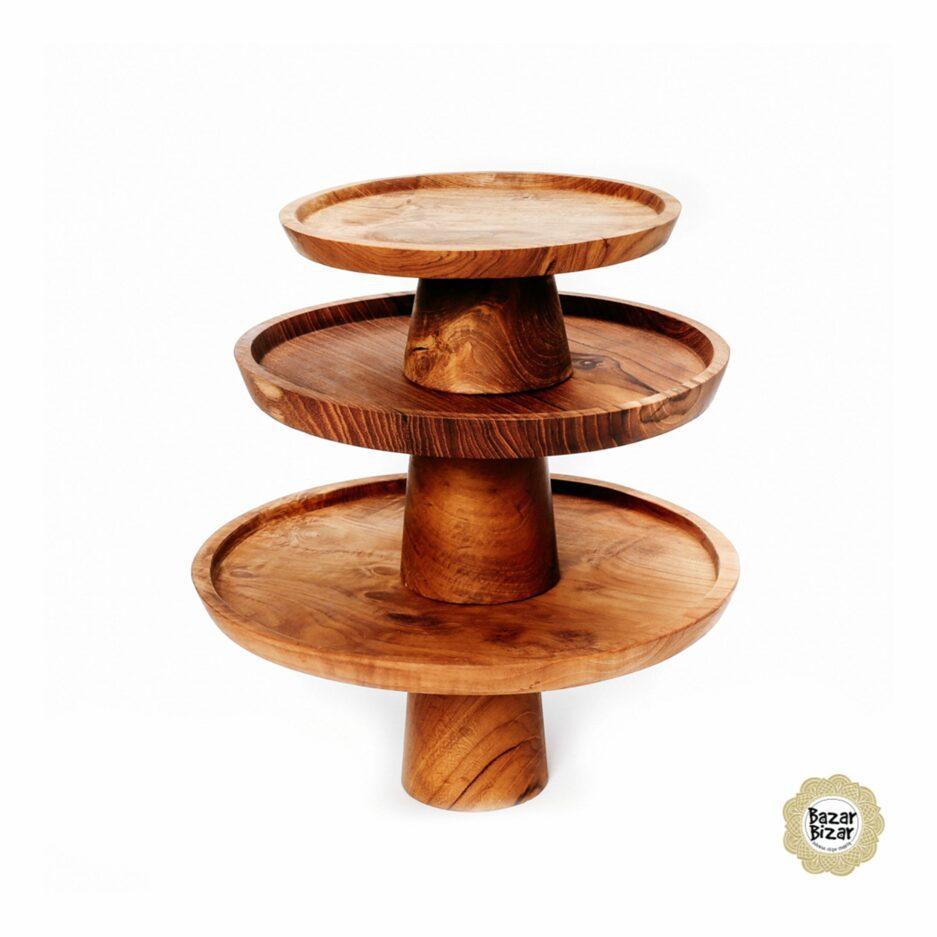 Tortenständer aus Teak im rustikalen Stil für Kuchen mit einem Durchmesser von 19, 24 und 28 cm. Entdecke die Tortenständer im Bohemian Stil von Bazar Bizar