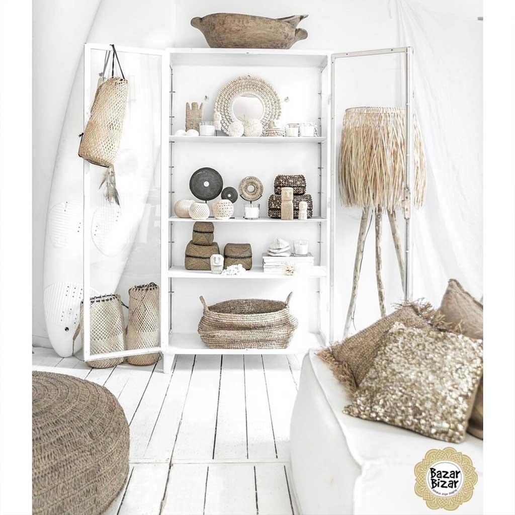 Wohnzimmer Dekoration mit viel Weiss und Holz im Ibiza Style Dekor bei Soulbirdee Onlineshop