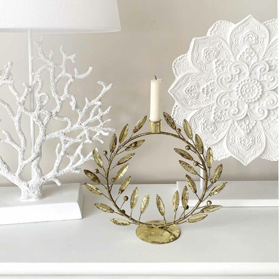Kerzenhalter goldener Blätterkranz | Skandinavische Weihnachtsdekoration aus Dänemark für eine Stabkerze | Xmas Deko online kaufen bei Soulbirdee Onlineshop