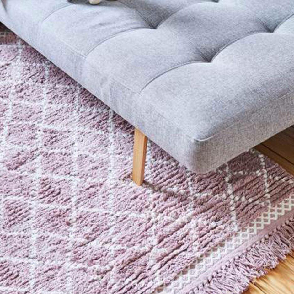 Beni Ourain Teppich in Mauve und Beige aus weicher Bio Baumwolle von Liv Interior. Gesunder Wohnzimmer-Teppich aus fairer Produktion   schneller Versand
