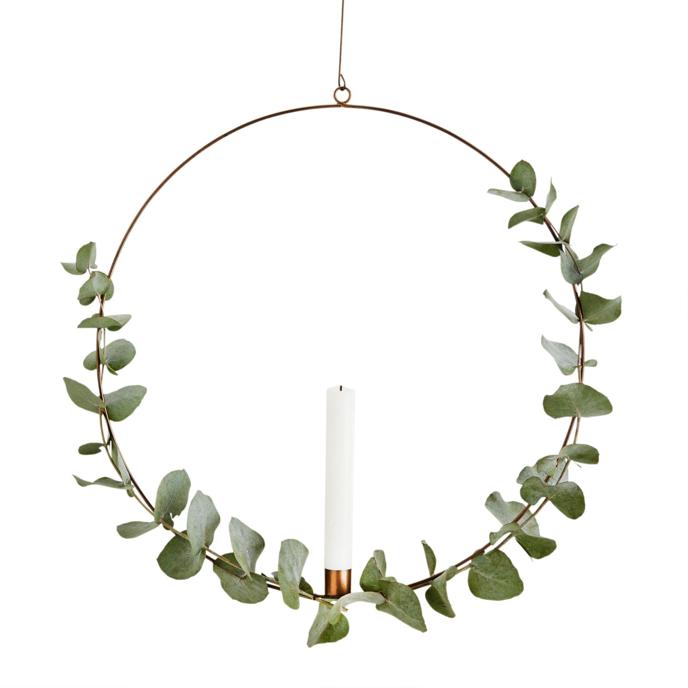 Kerzenring für den Advent als hängende Adventsdekoration