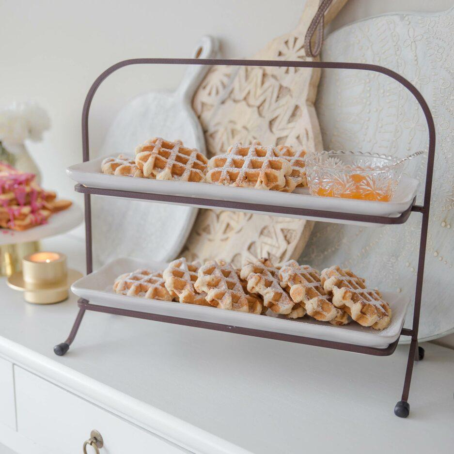 Etagere fürs Frühstück ♥ Abwechslung beim Sonntagsfrühstück zuhause mit 2 Etagen aus Steinzeug um Süßes und Salziges zu servieren ♥ Soulbirdee Onlineshop