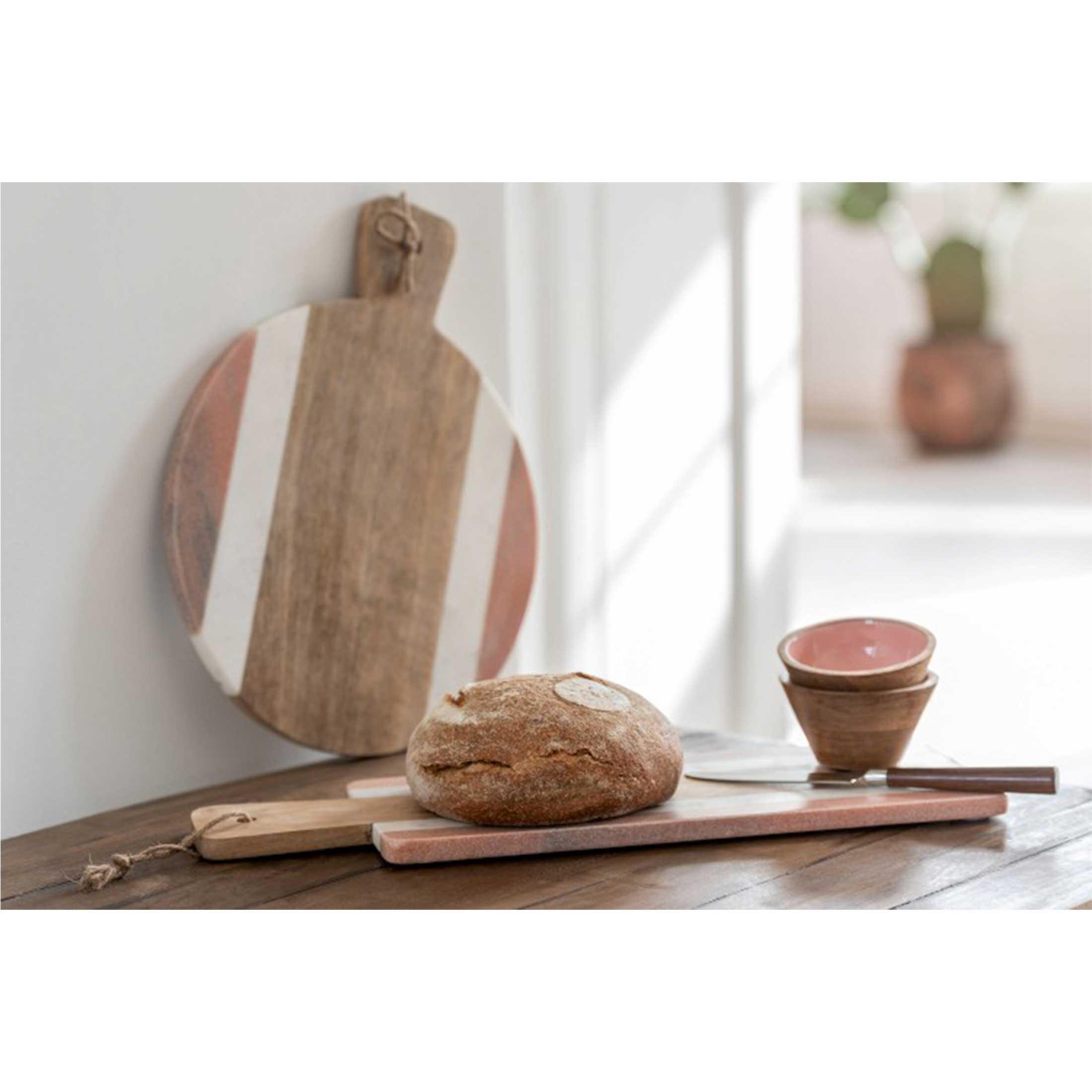 Servierbrett aus Terrazzo & Holz in der stylishen Materialkombination ♥ Ein tolles Geschenk für jeden Hobbykoch und Fans besonderer Küchendeko