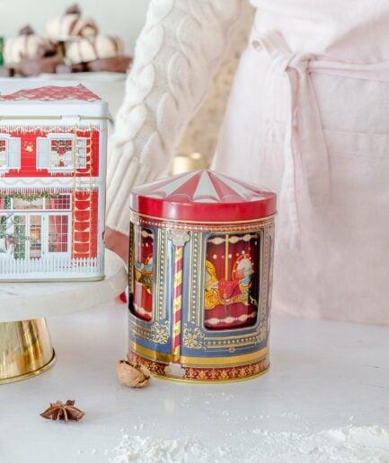 Spieluhrdose JAHRMARKT ♥ Dose für Plätzchen und Weihnachtsdeko. Das Karussell mit den Pferdrn in der Mitte dreht sich & spielt eine Melodie ☆ Keksdose mit Musik online kaufen