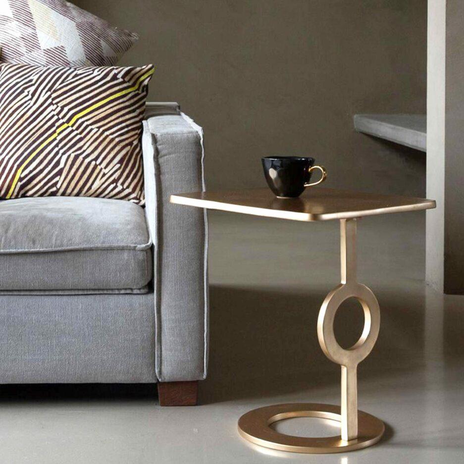 Sidetable aus Eisen mit 47cm Höhe von der Marke Urban Nature Culture. Sofatisch aus goldenem Eisen im Retro Look bei Soulbirdee kaufen | netter Service & schneller Versand