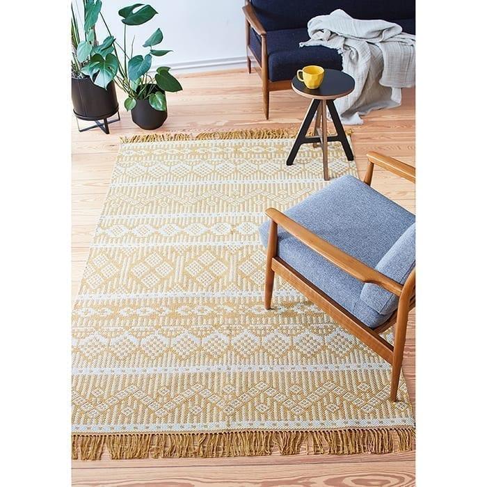 Läufer Teppich in Gelb aus recycelter Baumwolle - auch in Schwarz oder Lila | von Liv Interior. Läufer mit 140 x 70 cm, waschbar, Wohnzimmer-Teppich kaufen