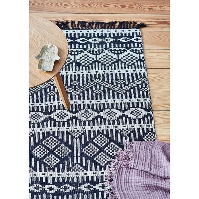 Teppich für das Homeoffice in Gelb aus recycelter Baumwolle - auch in Schwarz oder Lila | von Liv Interior. Läufer mit 140 x 70 cm, waschbar, Wohnzimmer-Teppich kaufen