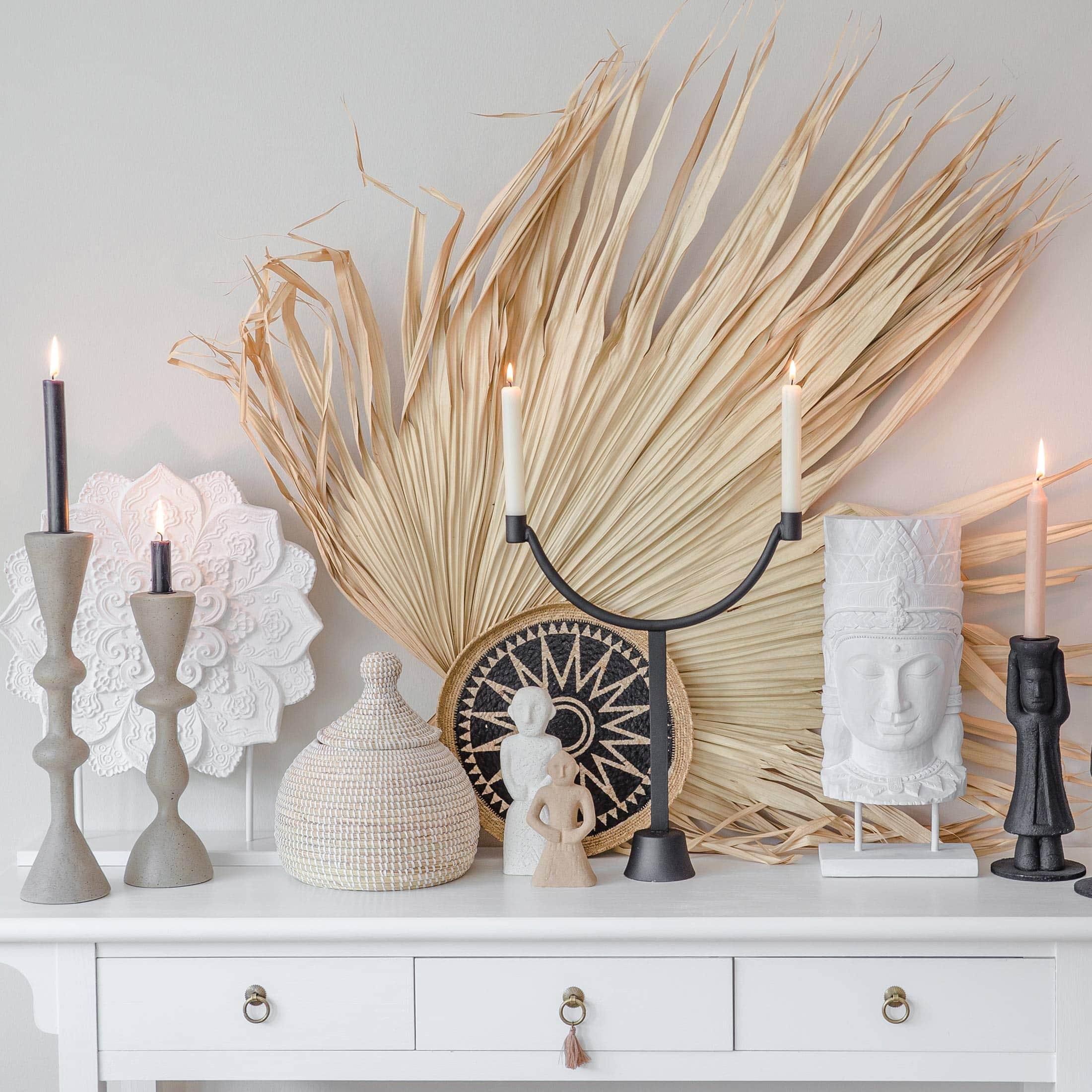 Schwarzer Kerzenleuchter aus Metall von der Marke Urban Nature. Skandinavischer Kerzenständer für 2 Kerzen jetzt bei Soulbirdee kaufen   Netter Service und tolle Wohndeko