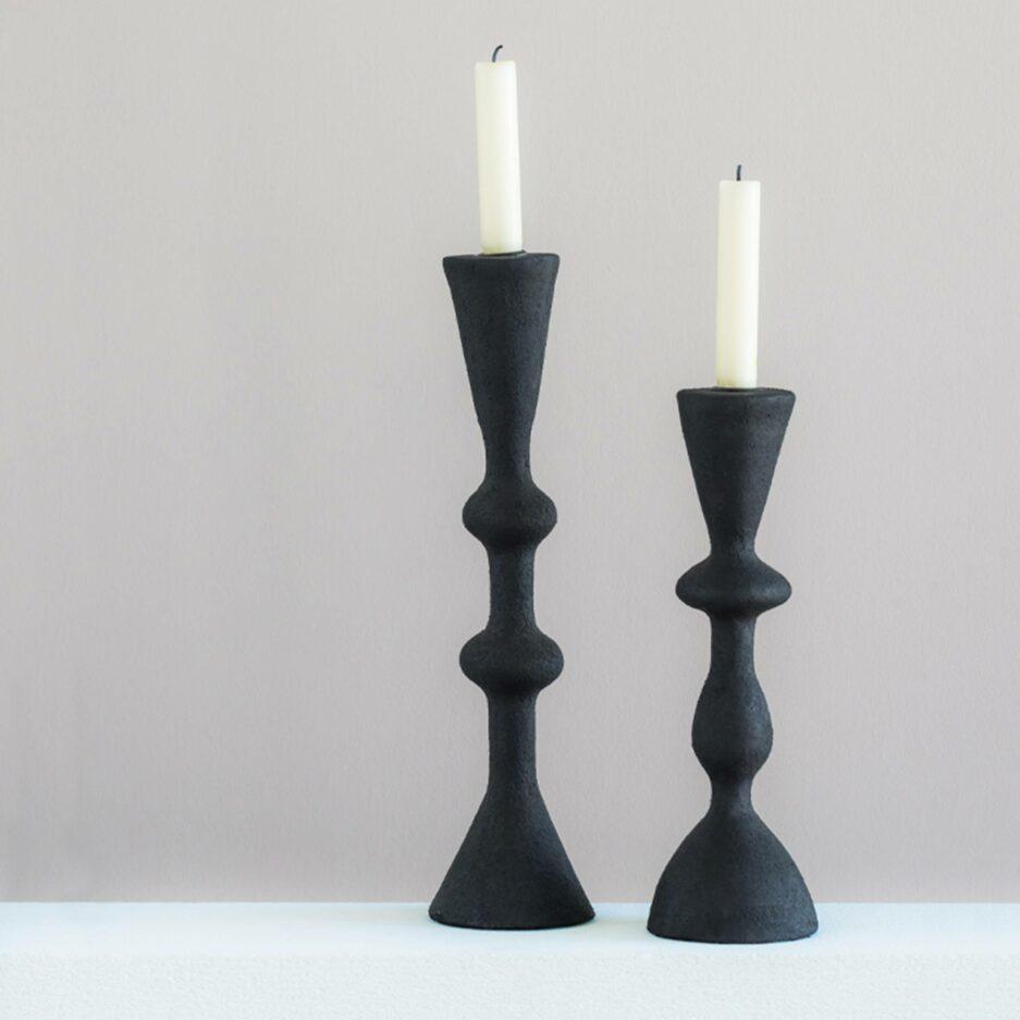 Nordische Kerzenständer in 2 Größen von der Marke Urban Nature Culture. Kerzenhalter für Stabkerzen und die Winterdeko bei Soulbirdee kaufen
