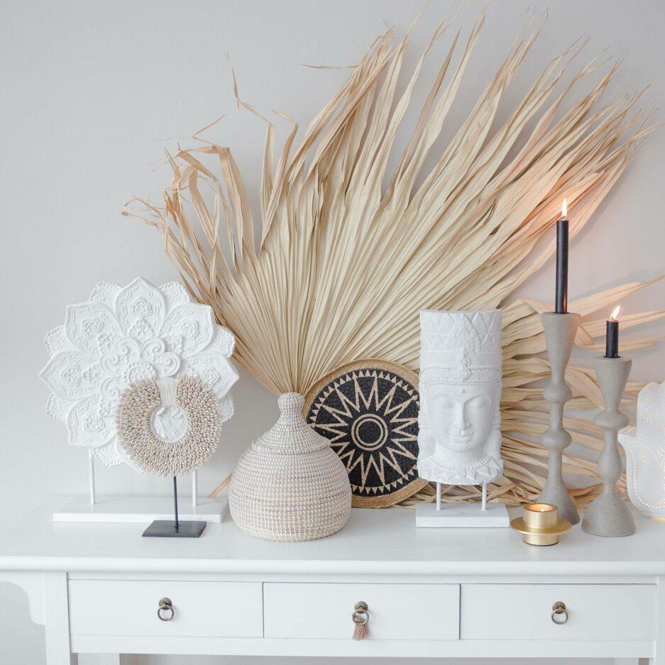 Dekoration aus Muscheln ♥ Wohndeko Muschelkette aus hellen Muscheln ♥ Extravagante Deko im Boho & Ethno Style im Soulbirdee Onlineshop kaufen