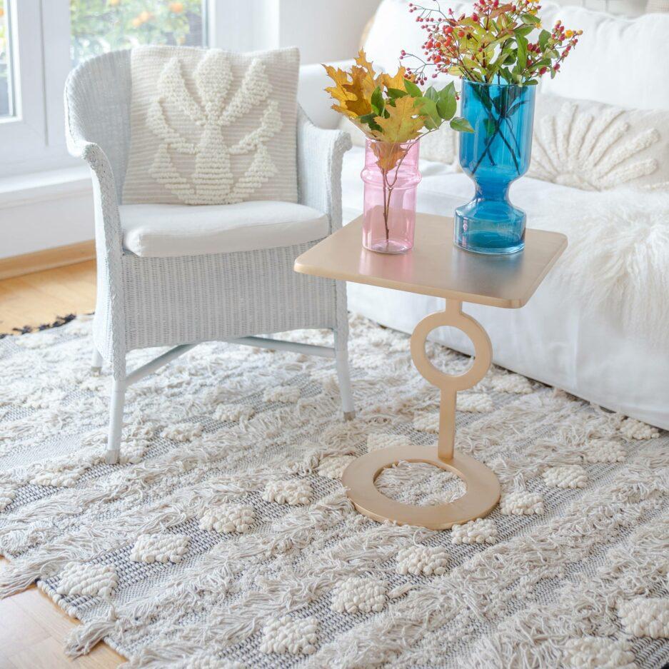 Boho Style Teppich in Creme Weiß Schwarz mit Fransen, 120x170cm. Wohnzimmerteppich mit Fransen im Boho Look jetzt bei Soulbirdee.com