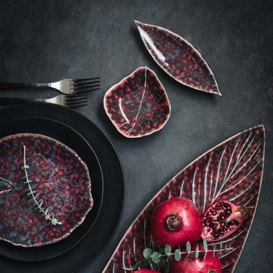 Geschirr in Rot und Schwarz Christian Tortu