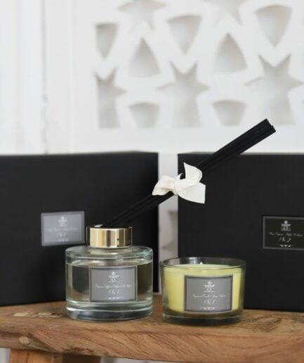 Duft Geschenkset mit dem Duft Pure Silk No1 von der Marke C´est Bon. Geschenkeset Weihnachten mit Duftkerze & Raumduft bei Soulbirdee kaufen
