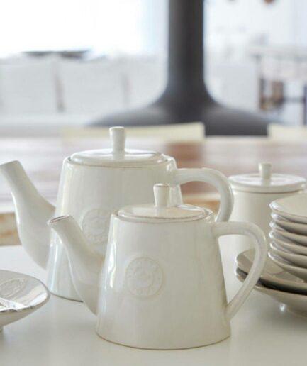 Teekanne aus Steinzeug mit 0,5 und 1 Liter Volumen von der Marke Costa Nova aus Portugal. Spülmaschinenfeste Teekannen bei Soulbirdee finden