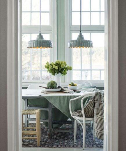 Deckenleuchte im Landhausstil aus Metall in Schwarz, Weiß, Grün, Rosa von der Marke PR Home aus Schweden. Skandinavische Hängeleuchten kaufen