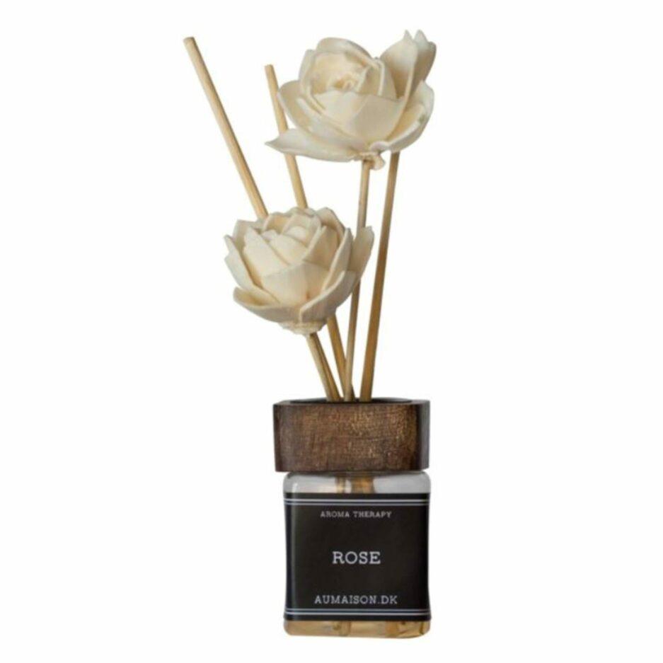 Raumduft mit Blume an den Stäbchen von der Marke Au Maison. Düfte und Geschenke online bei Soulbirdee bestellen